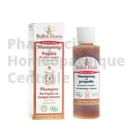 Le Shampoing à la propolis de Ballot-flurin calme les démangeaisons du cuir chevelu.